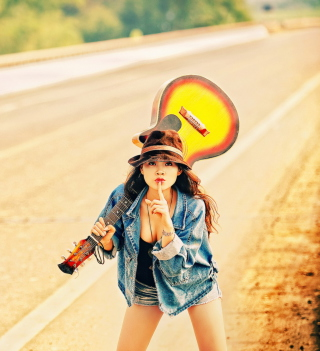 Girl, Guitar And Road - Obrázkek zdarma pro 1024x1024