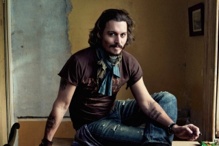 Free Good Looking Johnny Depp Picture for Android, iPhone and iPad
