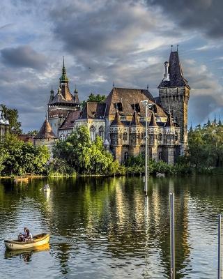 Vajdahunyad Castle in Budapest - Obrázkek zdarma pro iPhone 5