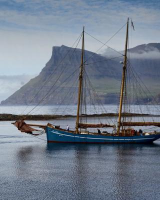 Bay Faroe Islands, Denmark - Obrázkek zdarma pro iPhone 4