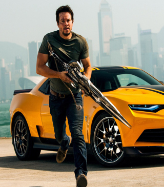 Mark Wahlberg In Transformers - Obrázkek zdarma pro 640x960