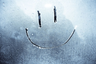 Smiley Face On Frozen Window - Obrázkek zdarma pro LG P500 Optimus One