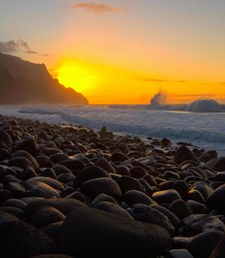Kalalau Beach in Hawaii - Obrázkek zdarma pro 360x640