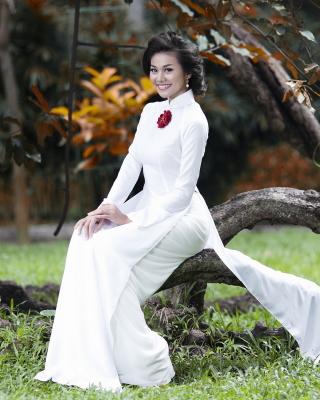 Fashion model from Vietnam - Obrázkek zdarma pro 352x416