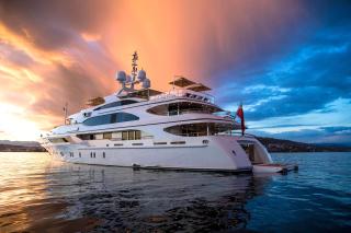 Superyacht In Miami - Obrázkek zdarma pro Sony Xperia M
