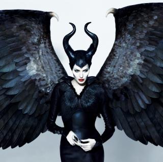 Maleficente, Angelina Jolie - Obrázkek zdarma pro iPad 3