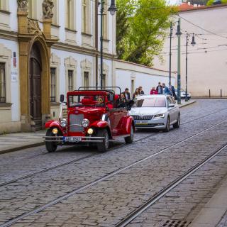 Prague Retro Car - Obrázkek zdarma pro 2048x2048