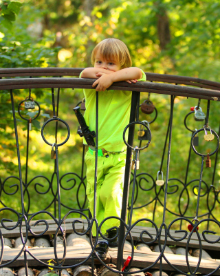 Pensive child - Obrázkek zdarma pro Nokia X1-00