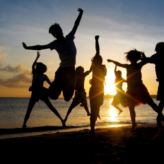 Dancing At Sunset - Obrázkek zdarma pro iPad mini