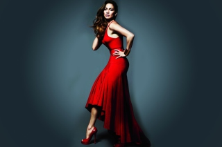 J Lo In Gorgeous Red Dress - Obrázkek zdarma pro Desktop Netbook 1366x768 HD