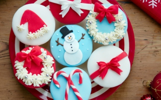 Christmas Cupcakes Wallpaper for Android, iPhone and iPad