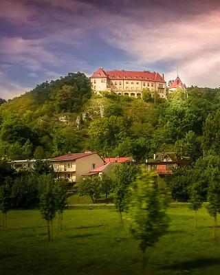 Krakow - Obrázkek zdarma pro iPhone 4S