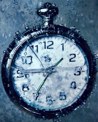 Frozen Time Clock - Obrázkek zdarma pro Nokia Asha 300