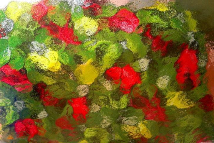 Bright glass relief wallpaper