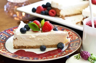 Free Strawberry Cheesecake Picture for Android, iPhone and iPad