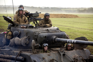 Free Brad Pitt in Army Film Fury Picture for Android, iPhone and iPad