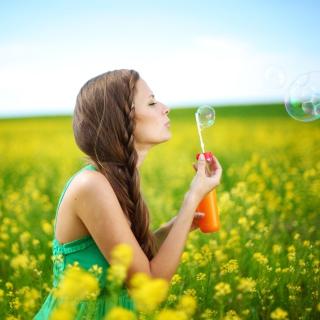 Girl And Bubbles - Obrázkek zdarma pro 128x128