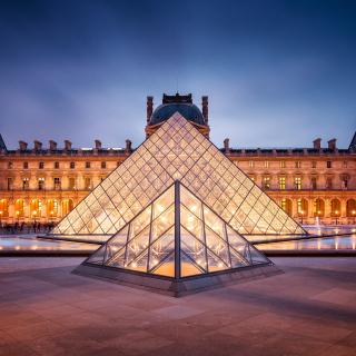 Paris Louvre Museum - Obrázkek zdarma pro 320x320