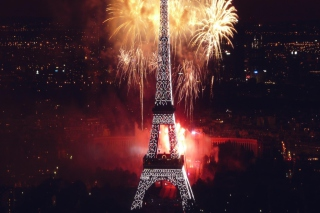 Fireworks At Eiffel Tower Picture for Android, iPhone and iPad