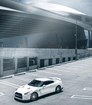 Nissan Sport Car - Obrázkek zdarma pro Nokia Asha 203