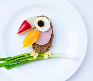 Happy Breakfast Parrot - Obrázkek zdarma pro iPad Air
