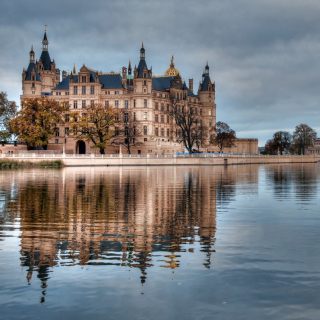 Schwerin Castle in Germany, Mecklenburg Vorpommern - Obrázkek zdarma pro 2048x2048