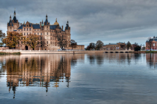 Schwerin Castle in Germany, Mecklenburg Vorpommern - Obrázkek zdarma pro Widescreen Desktop PC 1920x1080 Full HD