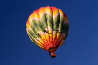 Free Big Colorful Air Balloon Picture for Android, iPhone and iPad