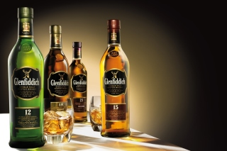 Glenfiddich special reserve 12 yo single malt scotch whiskey - Obrázkek zdarma pro Samsung I9080 Galaxy Grand