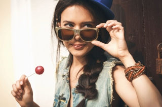 Cool Girl Picture for Android, iPhone and iPad