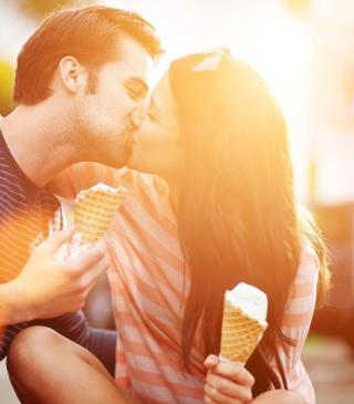 Ice Cream Kiss - Obrázkek zdarma pro 132x176