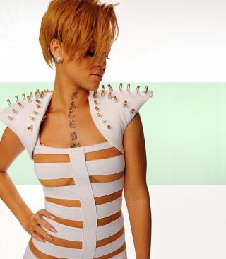 Hot Rihanna In White Top - Obrázkek zdarma pro Nokia Lumia 1520