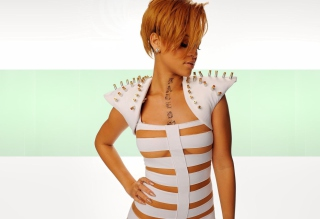 Hot Rihanna In White Top - Obrázkek zdarma pro LG Optimus M