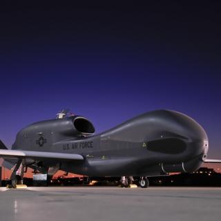 Northrop Grumman RQ 4 Global Hawk surveillance aircraft - Obrázkek zdarma pro iPad