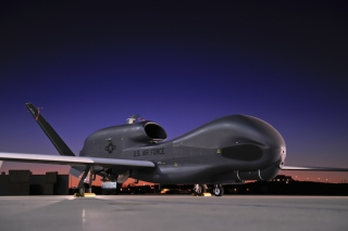 Northrop Grumman RQ 4 Global Hawk surveillance aircraft - Obrázkek zdarma pro Widescreen Desktop PC 1600x900