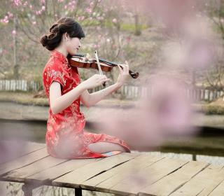 Pretty Asian Girl Violinist - Obrázkek zdarma pro 1024x1024