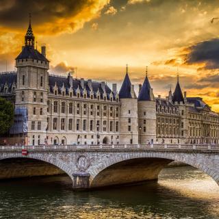 La conciergerie Paris Castle - Obrázkek zdarma pro iPad