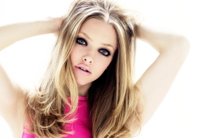 Amanda Seyfried Blondie Background for Android, iPhone and iPad