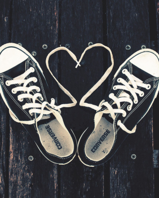 Sneakers Love - Obrázkek zdarma pro Nokia C1-02
