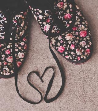 Love Shoes - Obrázkek zdarma pro Nokia 300 Asha