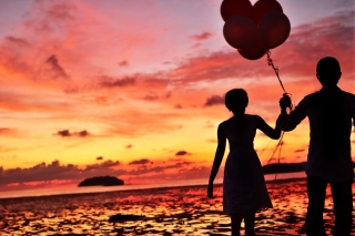 Couple With Balloons Silhouette At Sunset - Obrázkek zdarma pro Widescreen Desktop PC 1280x800