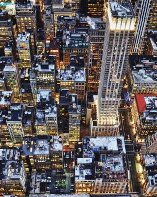 Big City Lights - Obrázkek zdarma pro 768x1280