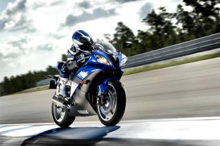 Yamaha R6 Superbike - Obrázkek zdarma pro HTC Desire HD