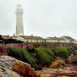 Lighthouse in Spain - Obrázkek zdarma pro iPad Air