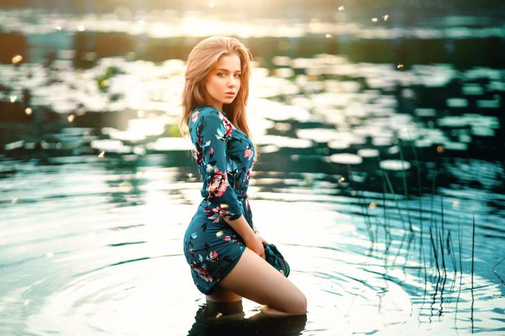 Wet Girl in Pond wallpaper