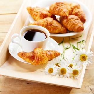 Breakfast with Croissants - Obrázkek zdarma pro 320x320