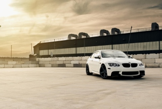 Free White Bmw Coupe Picture for Android, iPhone and iPad