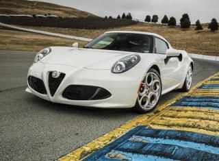 4C Alfa Romeo - Obrázkek zdarma pro 1366x768