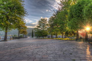 Free Lake Como in Lombardia Area Picture for Android, iPhone and iPad