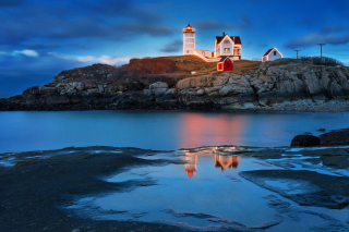 Lighthouse Night Light - Obrázkek zdarma pro Widescreen Desktop PC 1680x1050